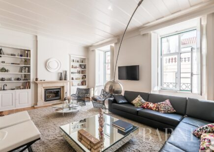 Apartamento T4 | Mobilado | Chiado | BARNES Portugal