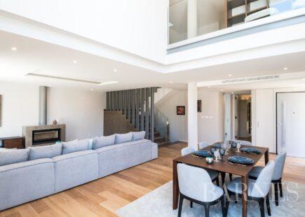 4 bedroom villa in a private condominium | BARNES Portugal