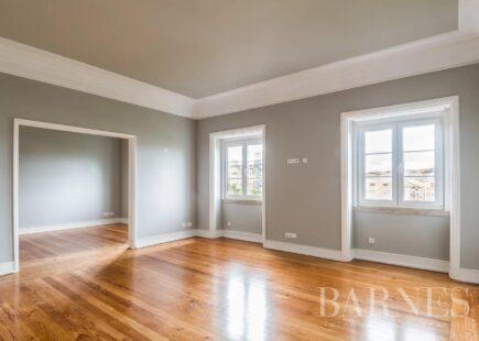 Apartamento completamente renovado | Imobiliário | BARNES Portugal