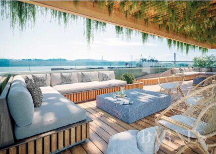 Apartamento novo em frente ao rio | Imobiliário | BARNES Portugal