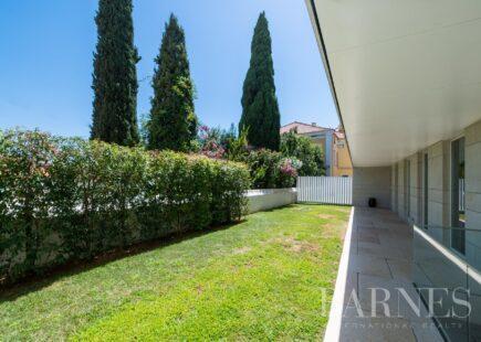Apartamento com jardim privado na Lapa | BARNES Portugal