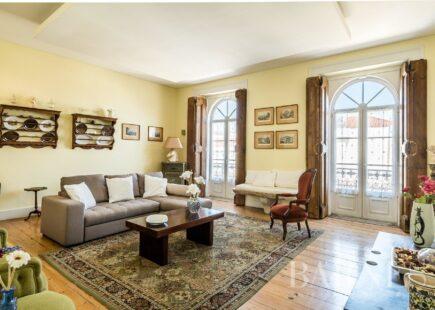 Apartamento T3+1 - Chiado | Imobiliário | marca de luxo | BARNES