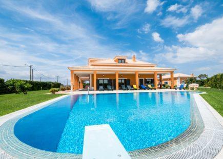 Propriedade localizada numa zona calma | Alcochete | BARNES Portugal
