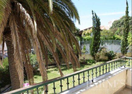 4 bedroom apartment in Estoril | Real estate | BARNES Portugal