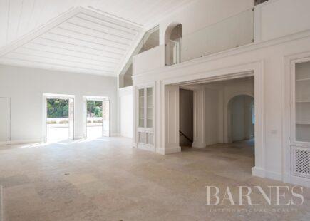 Apartamento T6 de luxo | Estoril | Imobiliário  | BARNES Portugal
